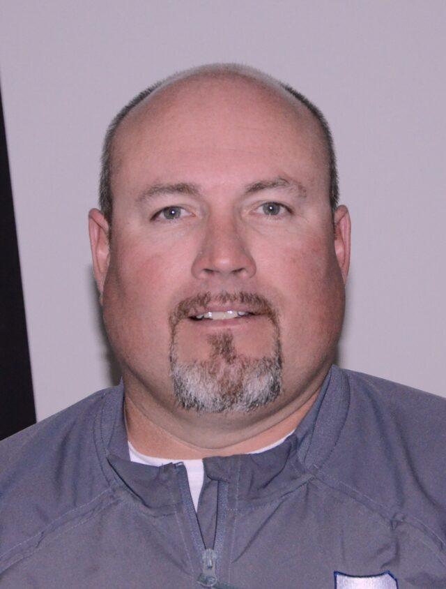 Coach J.D. Dinwiddie