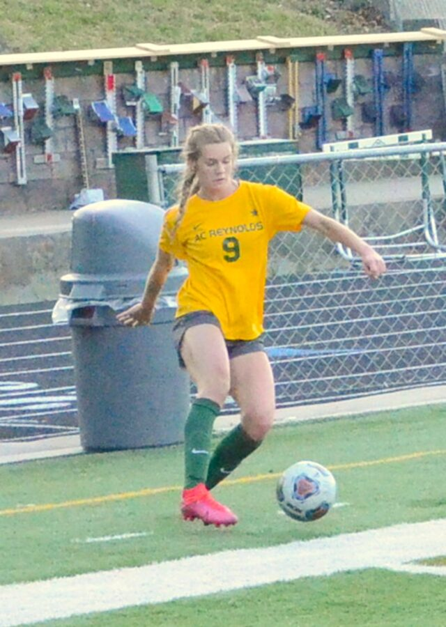 Addie Porter scored her team-most 26th goal in the state semifinal match. Photo by Pete Zamplas.